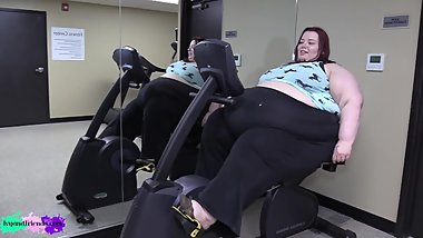 SSBBW Trying to exercise
