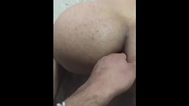 Sexy guy fingering an arab iraqi ass