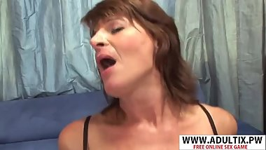 Hot New Mama Linda Roberts Gives Titjob Well Her Friend