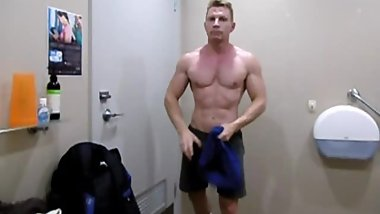 Locker Room Spy - Hot Sexy Muscled Bodybuilder Showers after Gym Video
