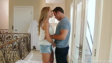 Nicole Aniston is the best
