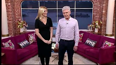 Holly Willoughby height compare with co-host in high heels