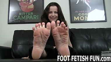 Femdom Foot Worshiping And Feet Porn Videos