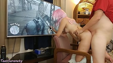 18 y/o Gamer Girl Gets Creampied Doggystyle Playing Red Dead Redemption 2