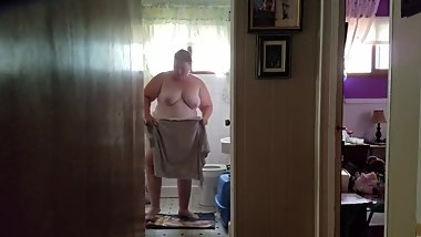 Chrissy Nienhardt 249 lb in the bathroom at home
