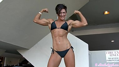 female flexing hard shaking