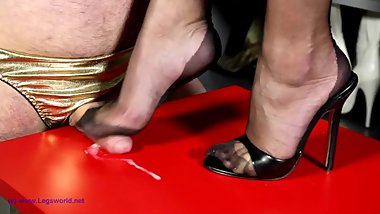 Lady ewa footjob