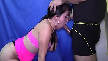 Very sexy Latina gives a messy sloppy deepthroat