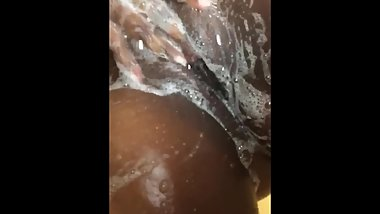 Shower play clean pussy