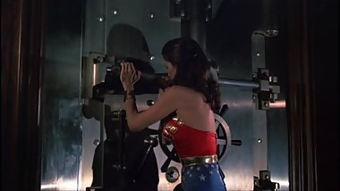 Wonder Woman Bends Impossible Steel Bars