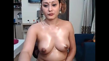 My favourite Indian Desi Webcam Slut!!