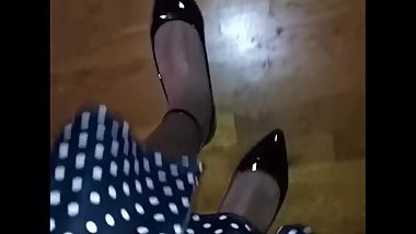 Giant Crossdresser POV walk in flats