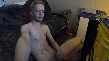 STRAIGHT 18 year old CUM AND PISS, pits and feet, edging (+moaning)